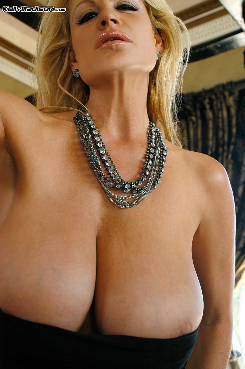 prime curves - kelly madison tube top
