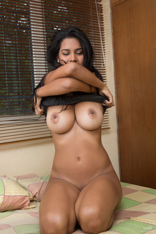 Raw biggest booty porn