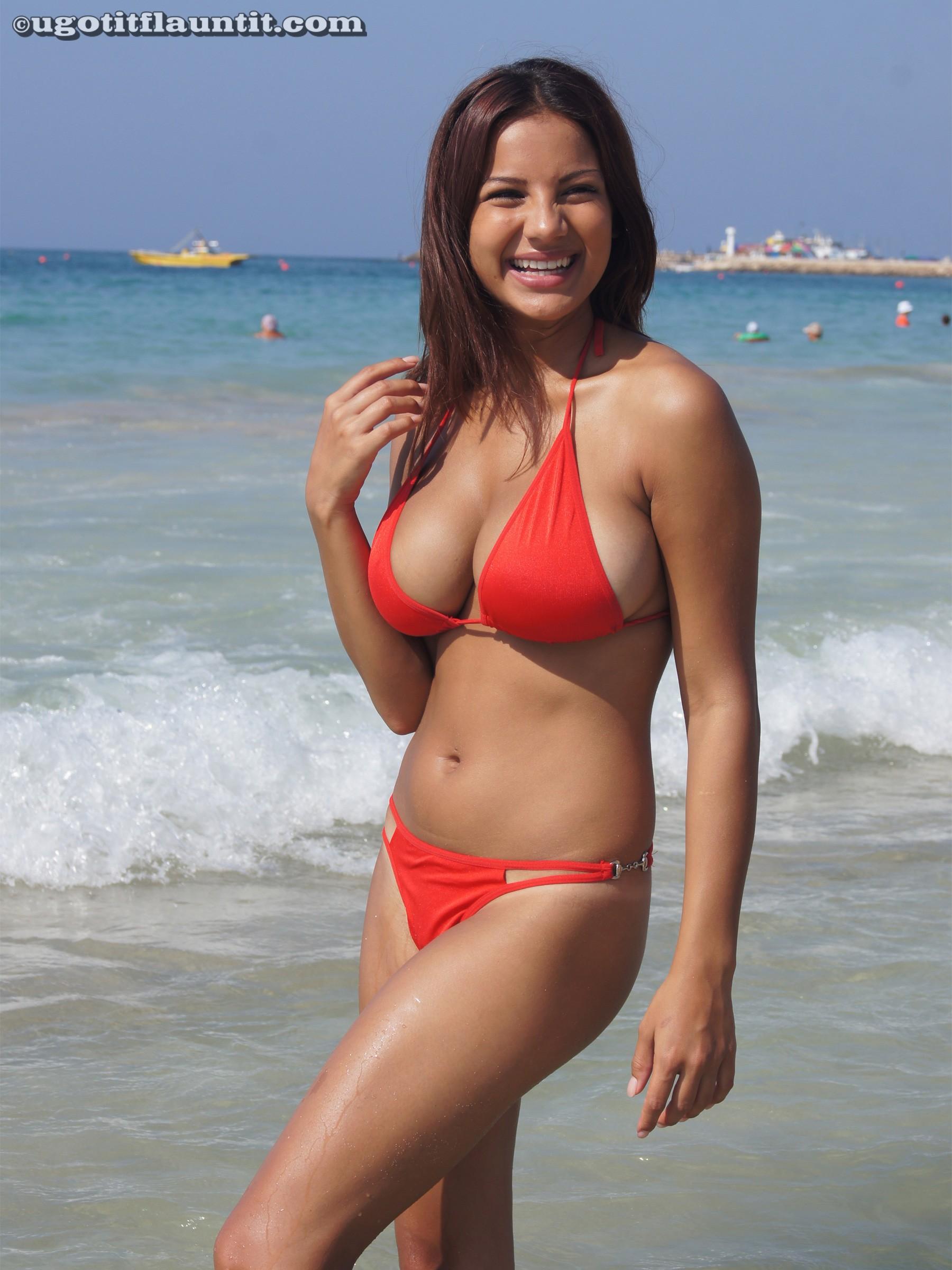 Candid boobs thick busty hispanic women black amp green 1 10