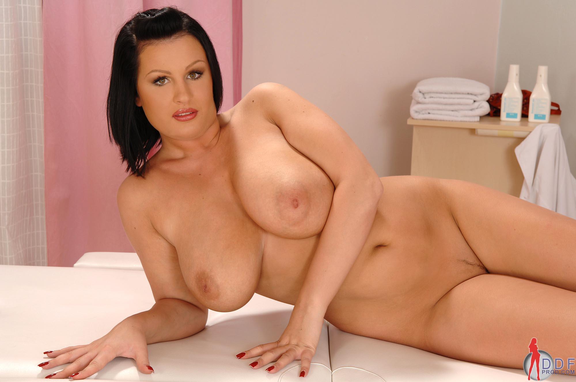 elizabeth masucci nude