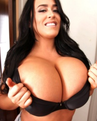 Leanne Crow Webcam