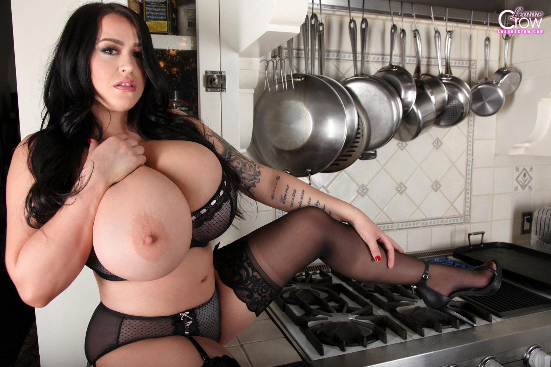 America hot sugar mummy with big tits date