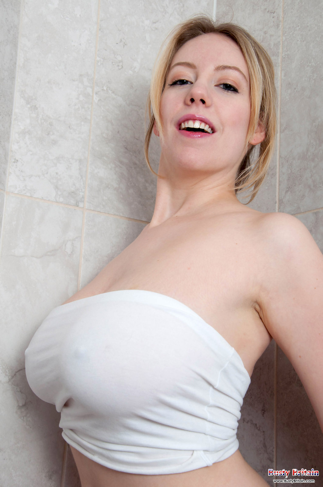 lily pink soapy shower - prime curves