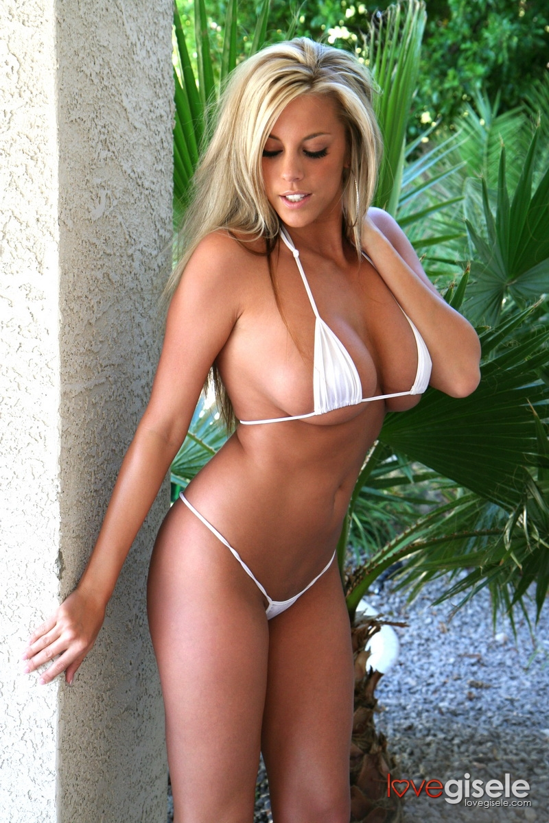 Apologise, but, Hot sexy busty blonde bikini girls very pity