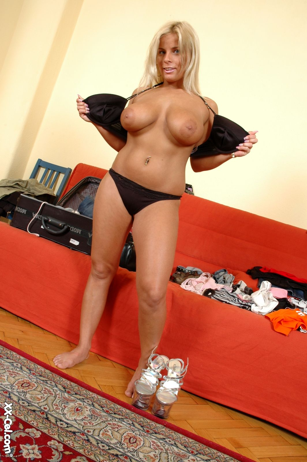 strip tease sexy