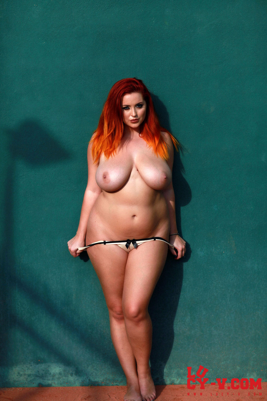 Superstar Hot Naked Curves HD