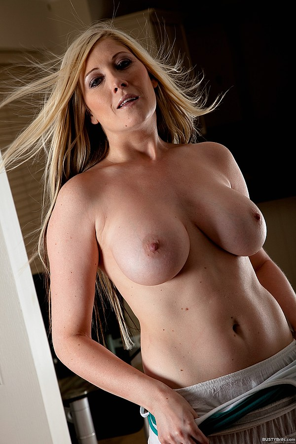 Lady! favorit busty brit michelle really LOVE