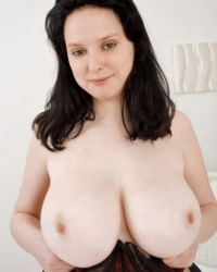Nadia Scoreland Pale Boobs