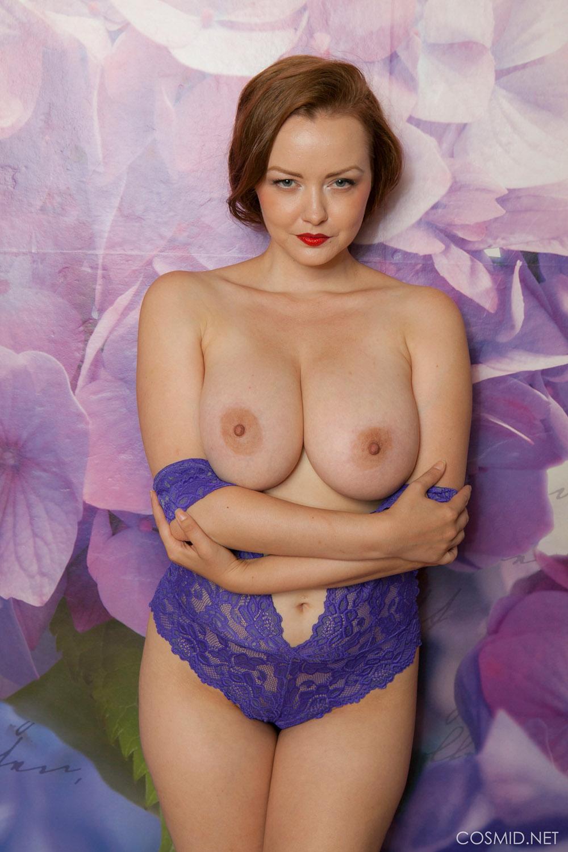 Natasha dedov flower background 2