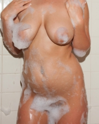 Nikki Yann Naked Shower Zishy