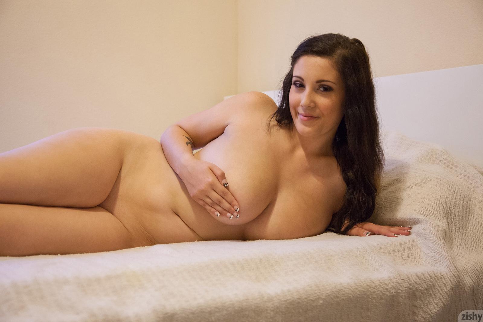 Фото обнажённых красивых полненьких, Голые пухлые пышки в телефото полных женщин 28 фотография