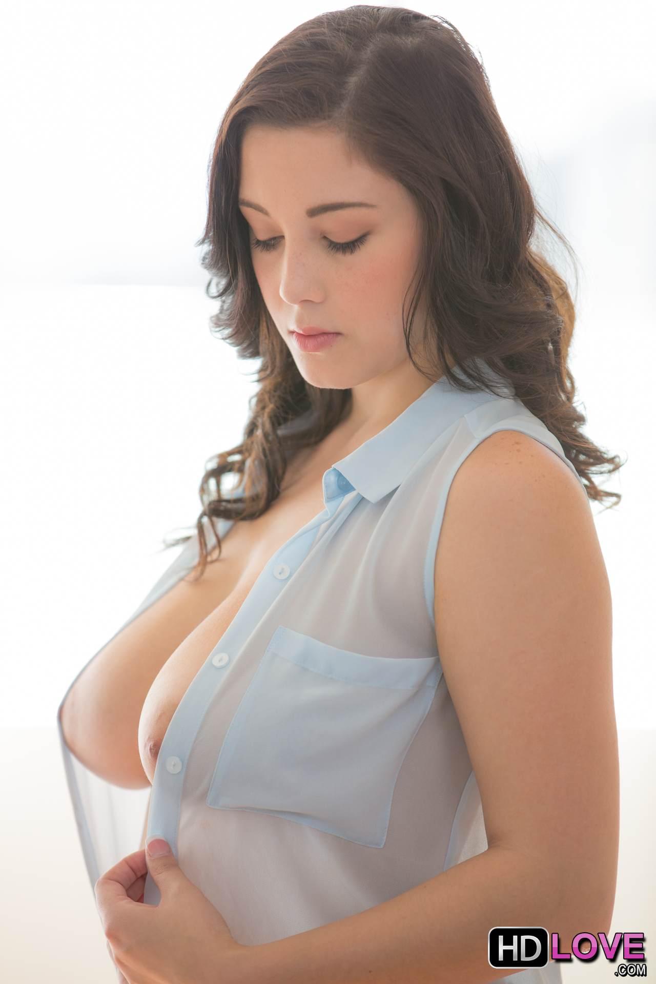 Noelle Easton Hd