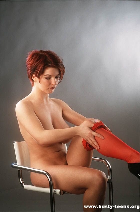 Image URL: http://www.primecurves.com/paula-redhead-babe/1.jpg  Click to view this fusker
