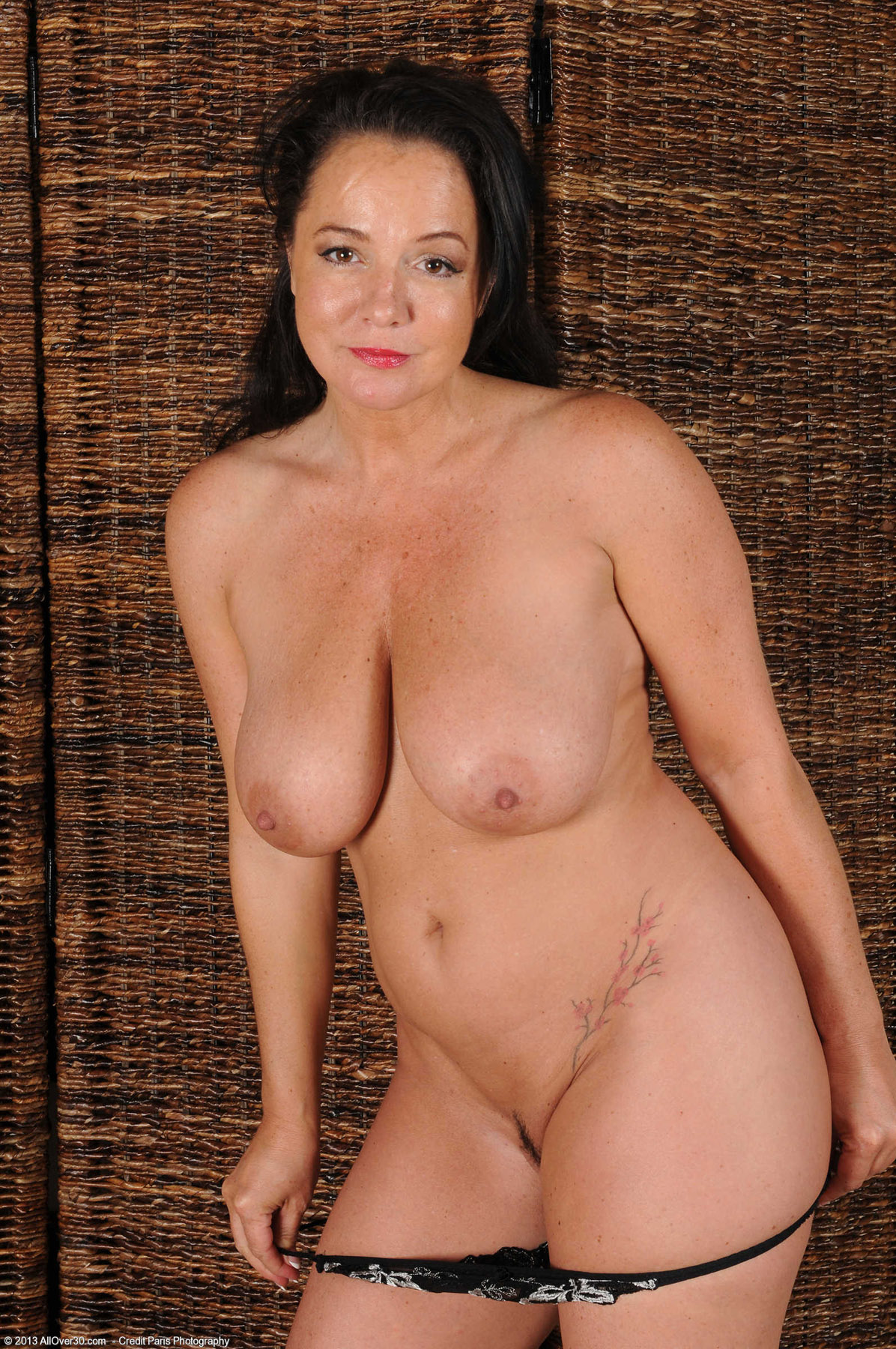 Delightful Mature pic of me nude