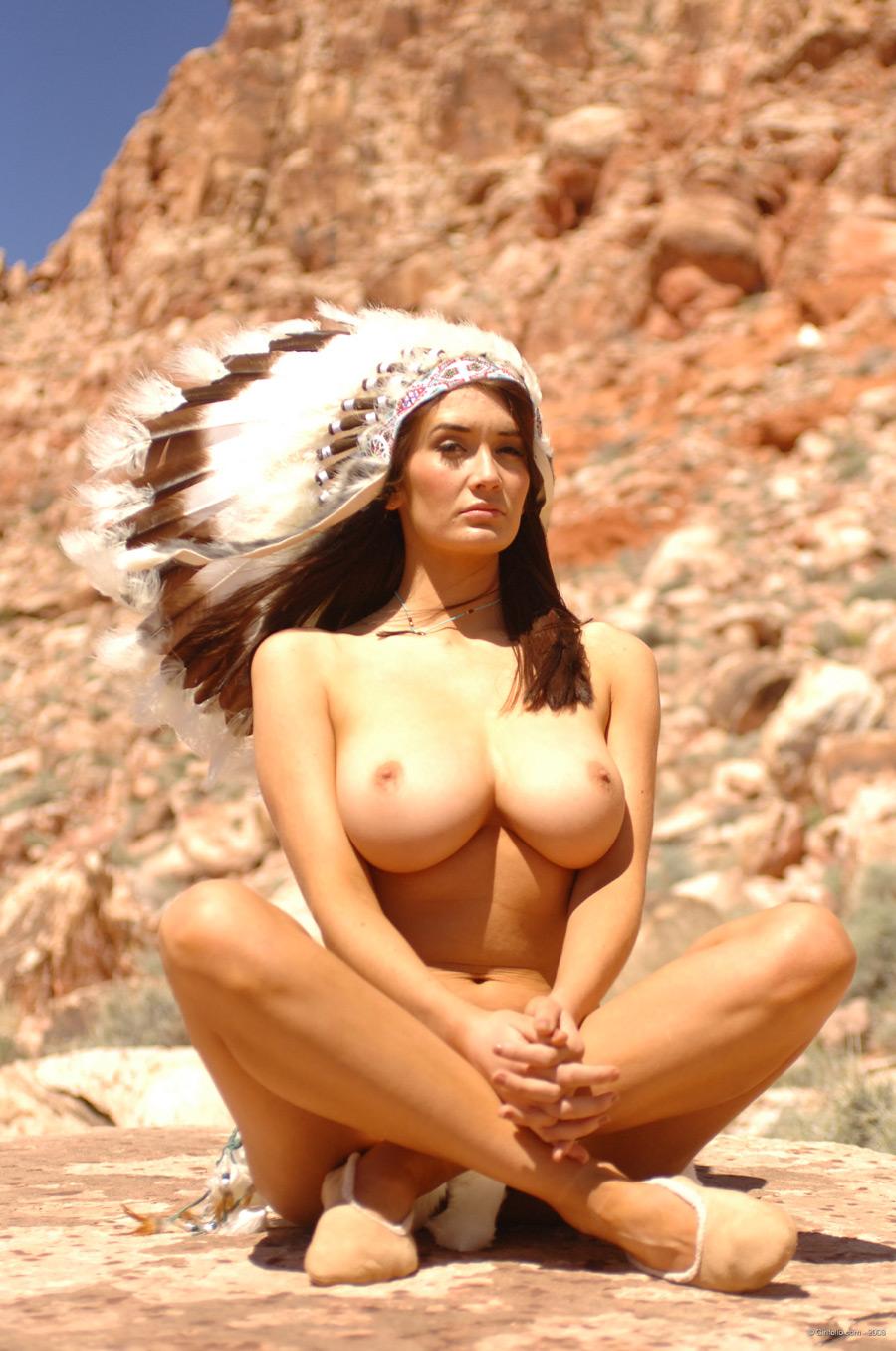 Интимная голая девушка индианка голые жопы