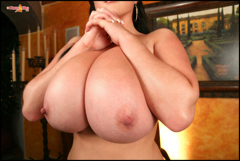 Самая большая грудь в мире порно фото 5 фотография