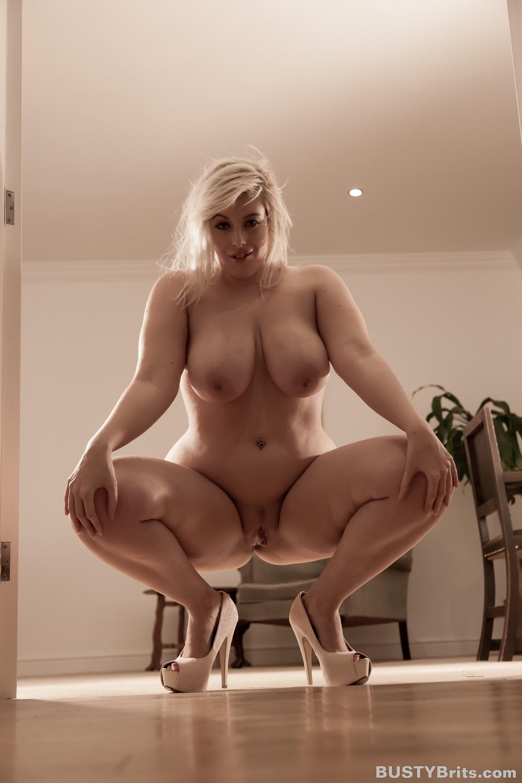 thick blonde girls porn