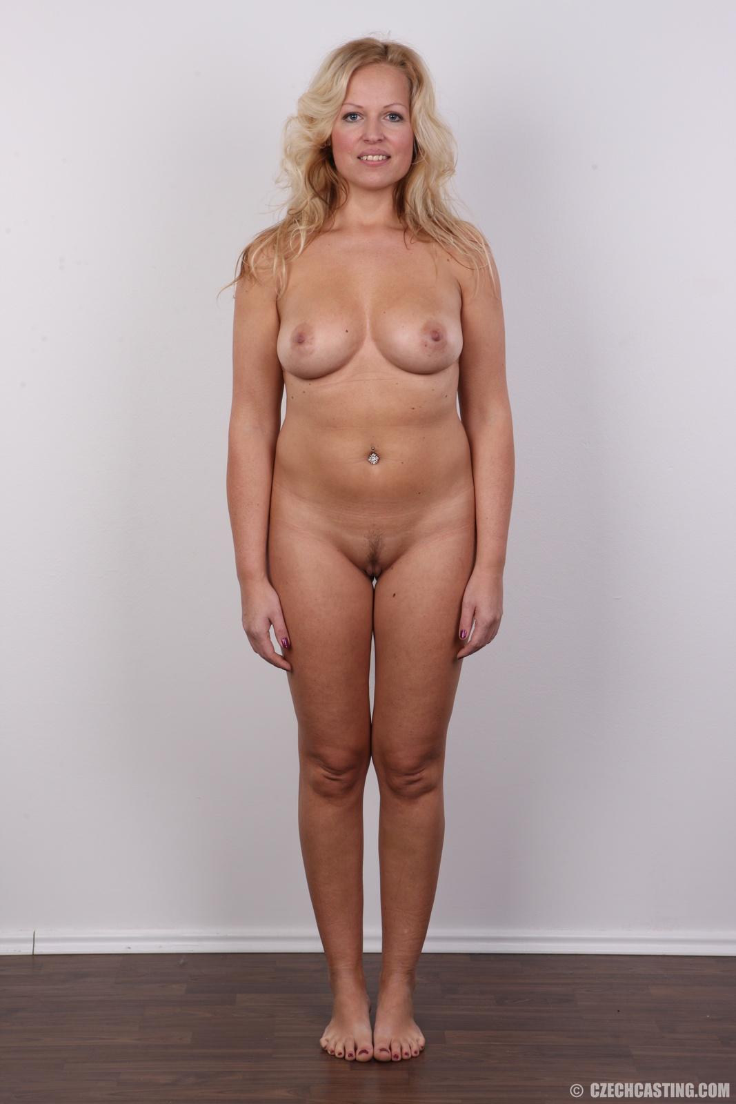 standing-mature-nude-women