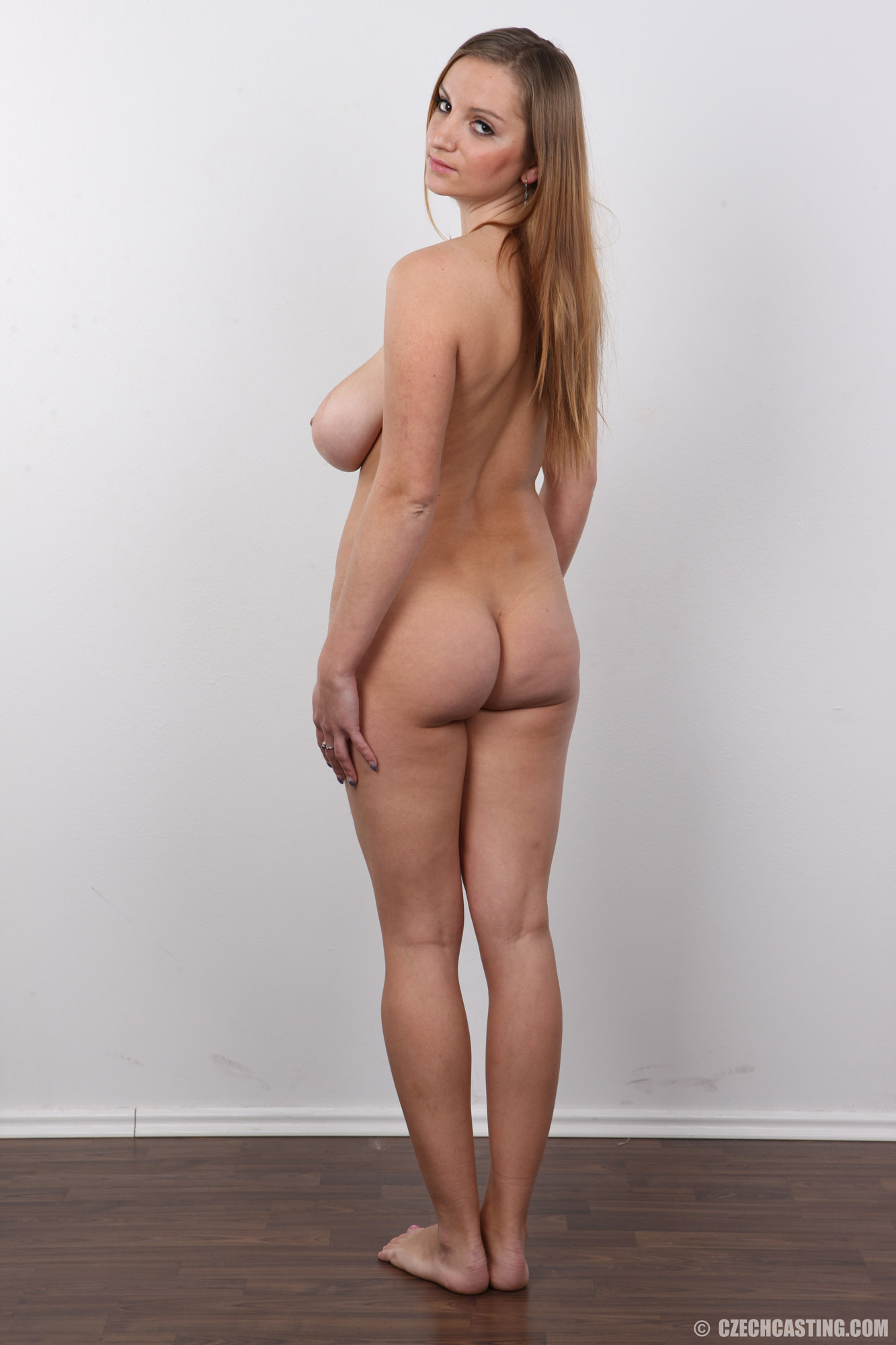 busty nude gallery high res