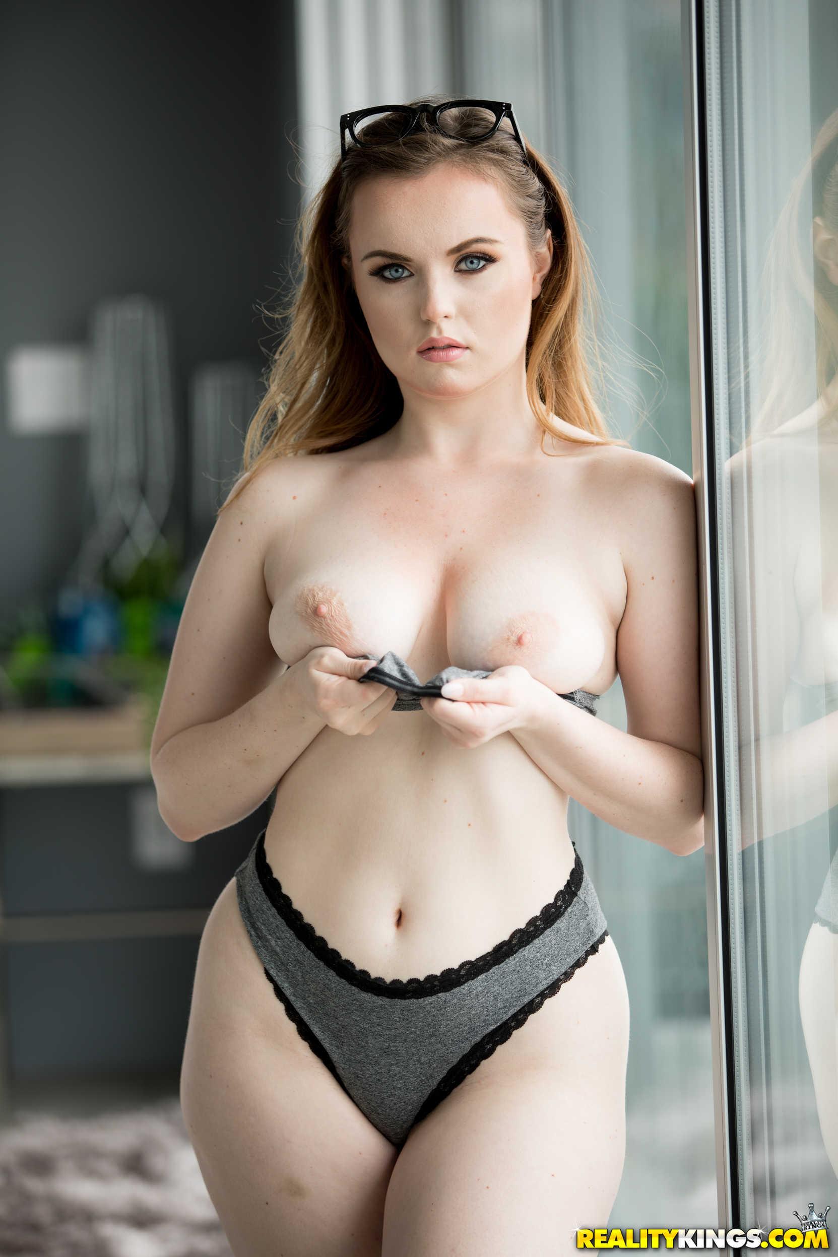 Fox reality big boobs