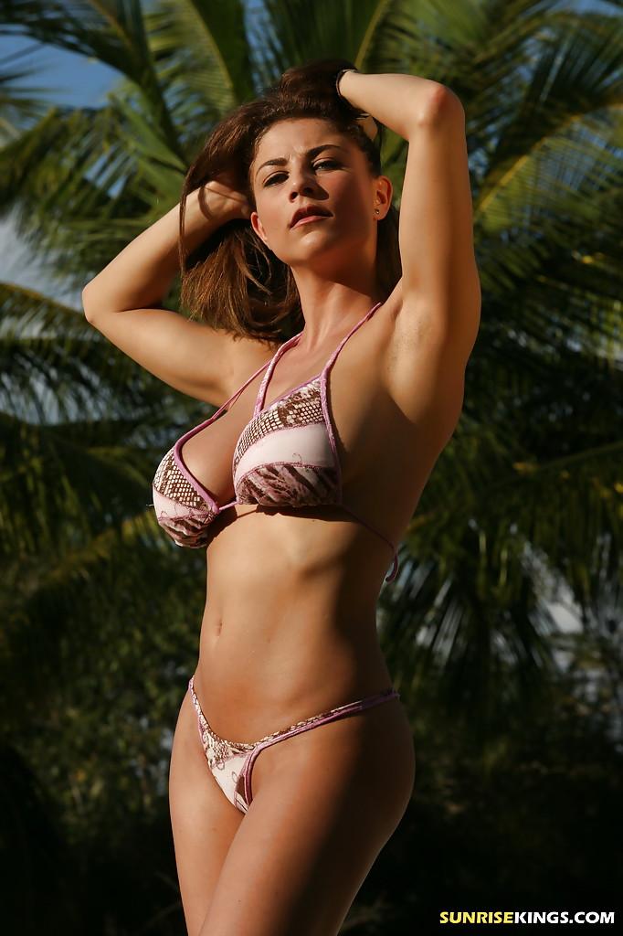 Bikini girls video