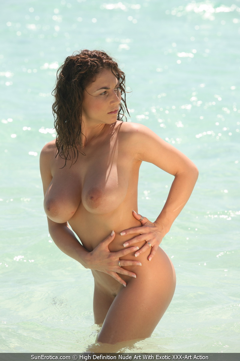 Babe beach busty topless