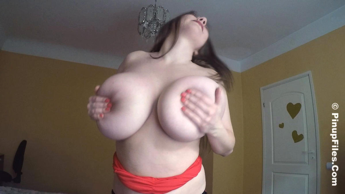 Any Boob dance lap