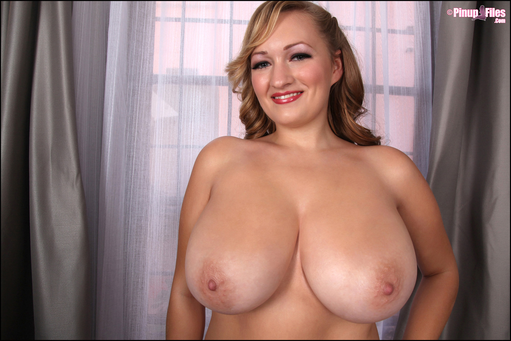Scout willis tits