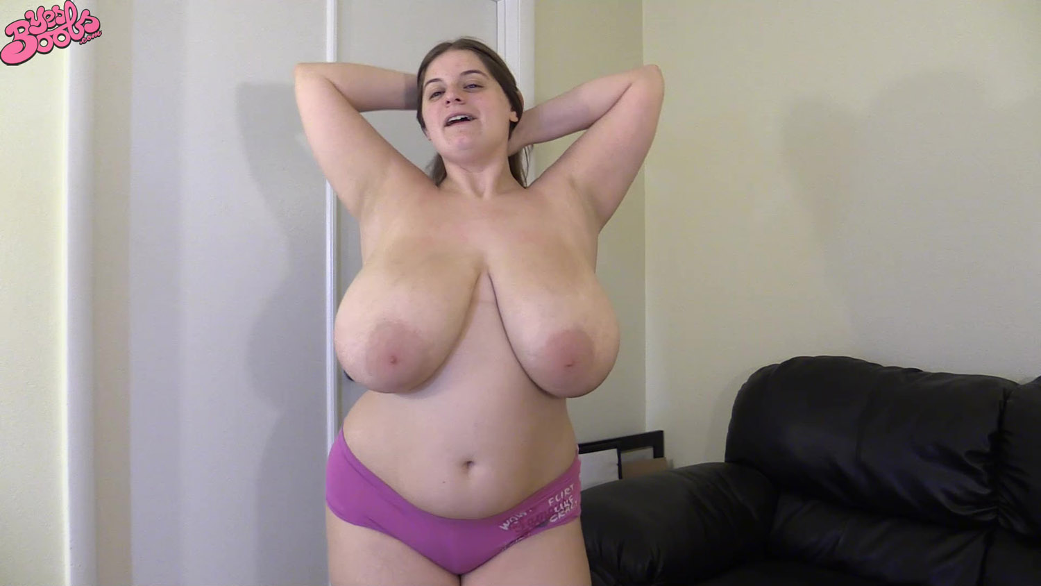 bbw nude jumping jacks