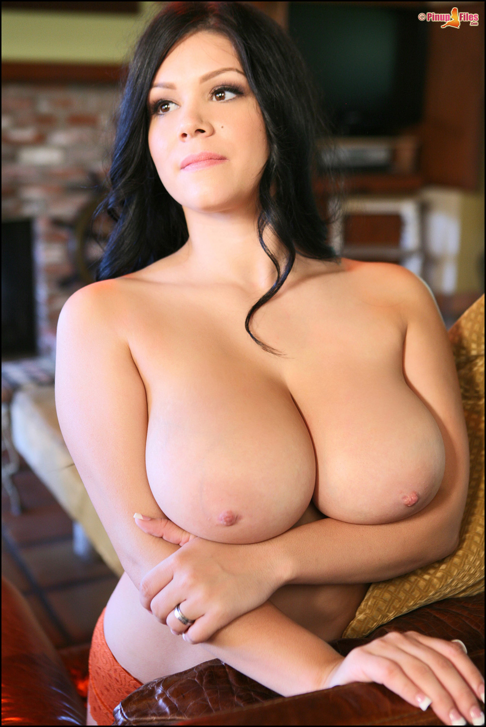Candid boobs thick busty hispanic women black amp green 1 9