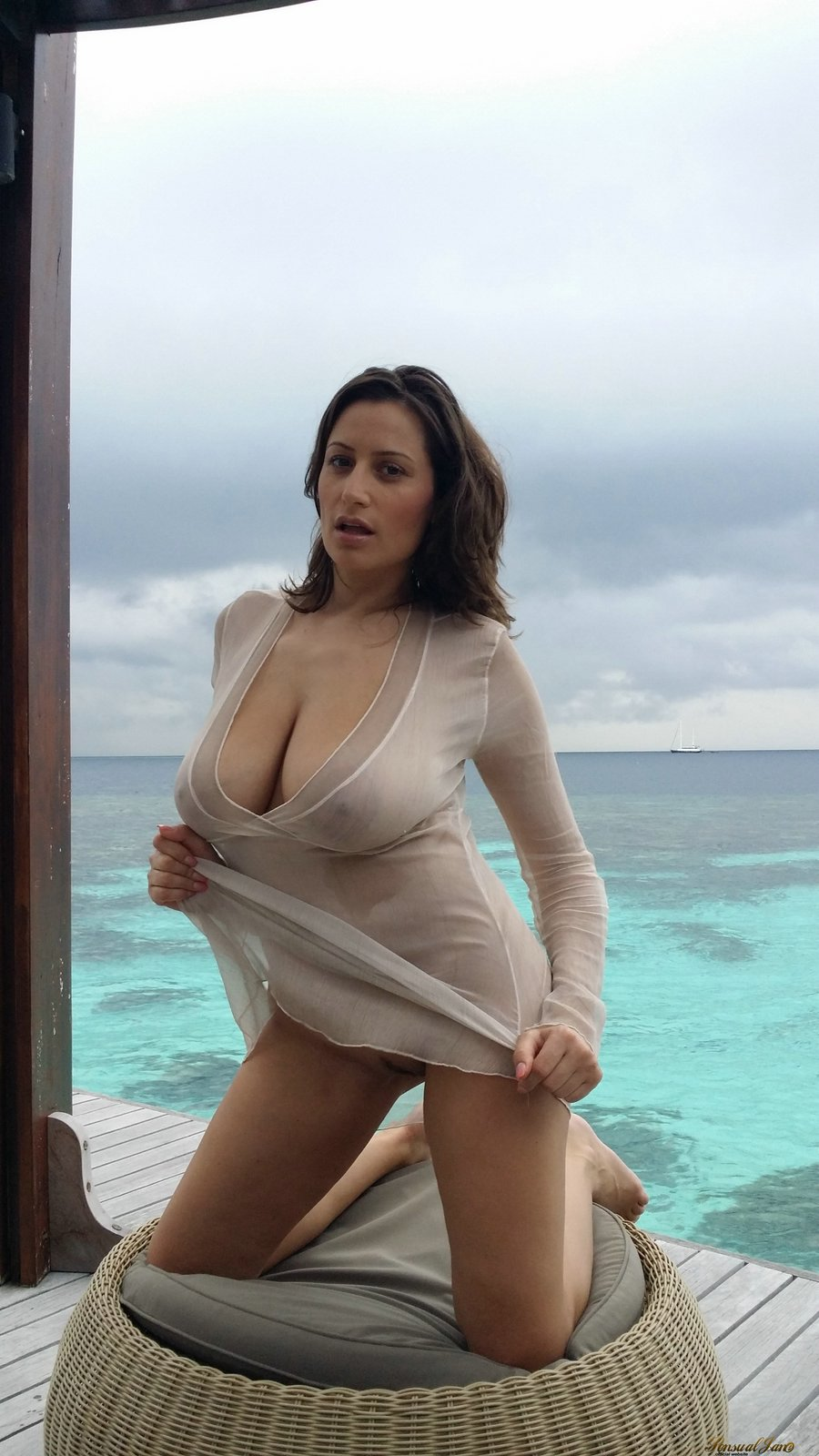 sensual jane naked in the maldives