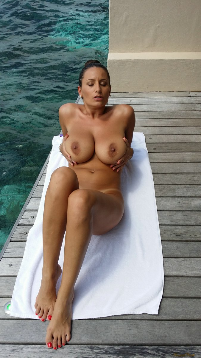 paradise nude