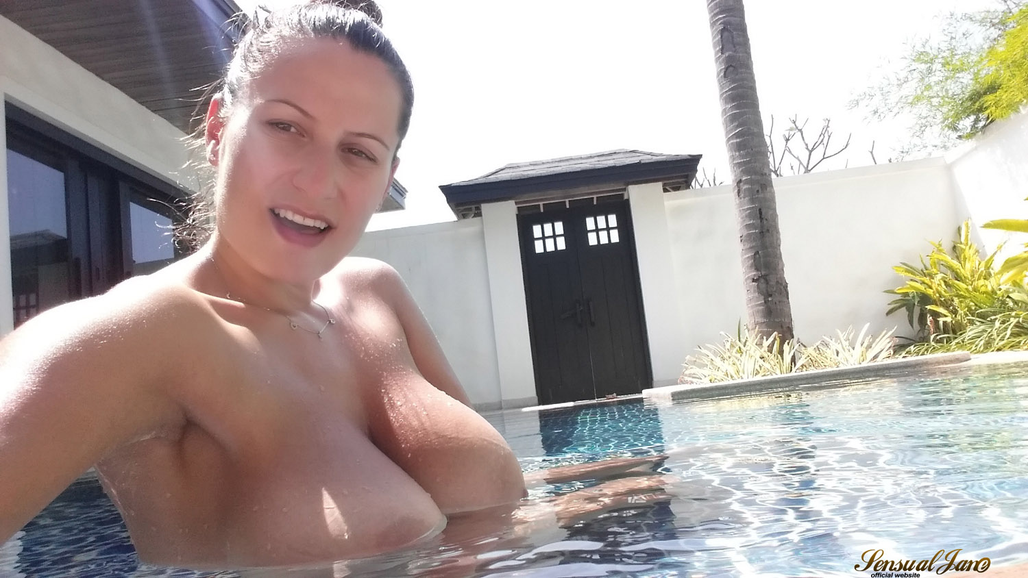 Mature wife loves sex