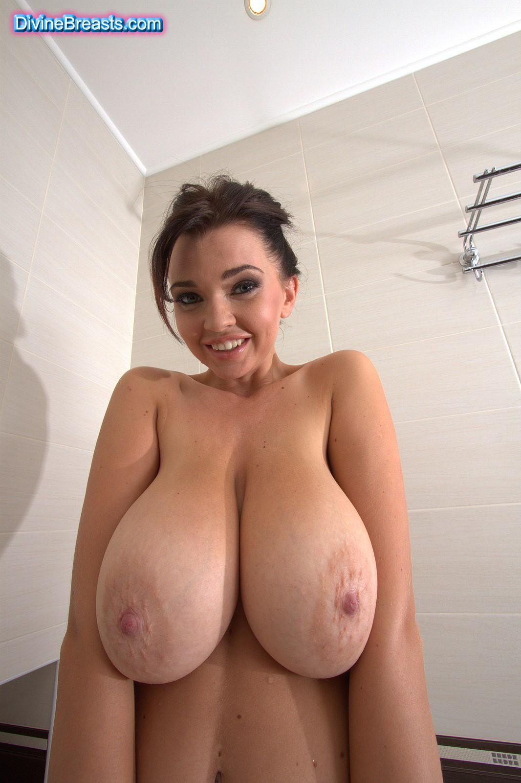 Big natural tits models