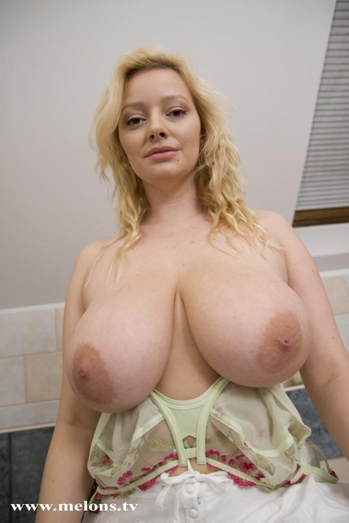 nude photographs of nikki benz