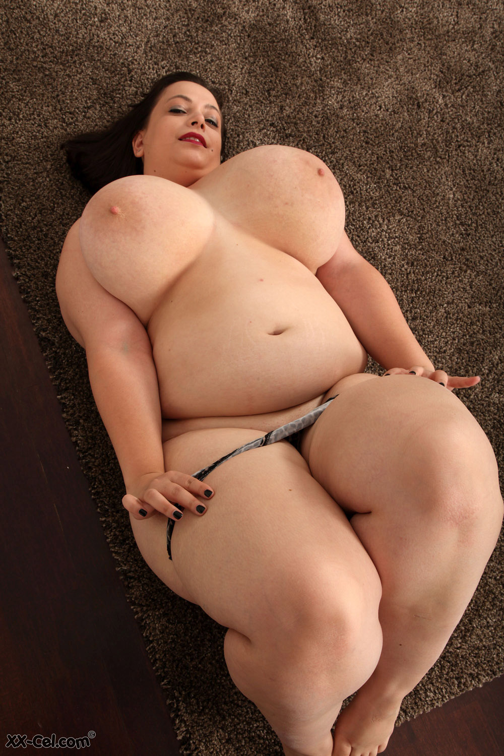 She is so hot and horny