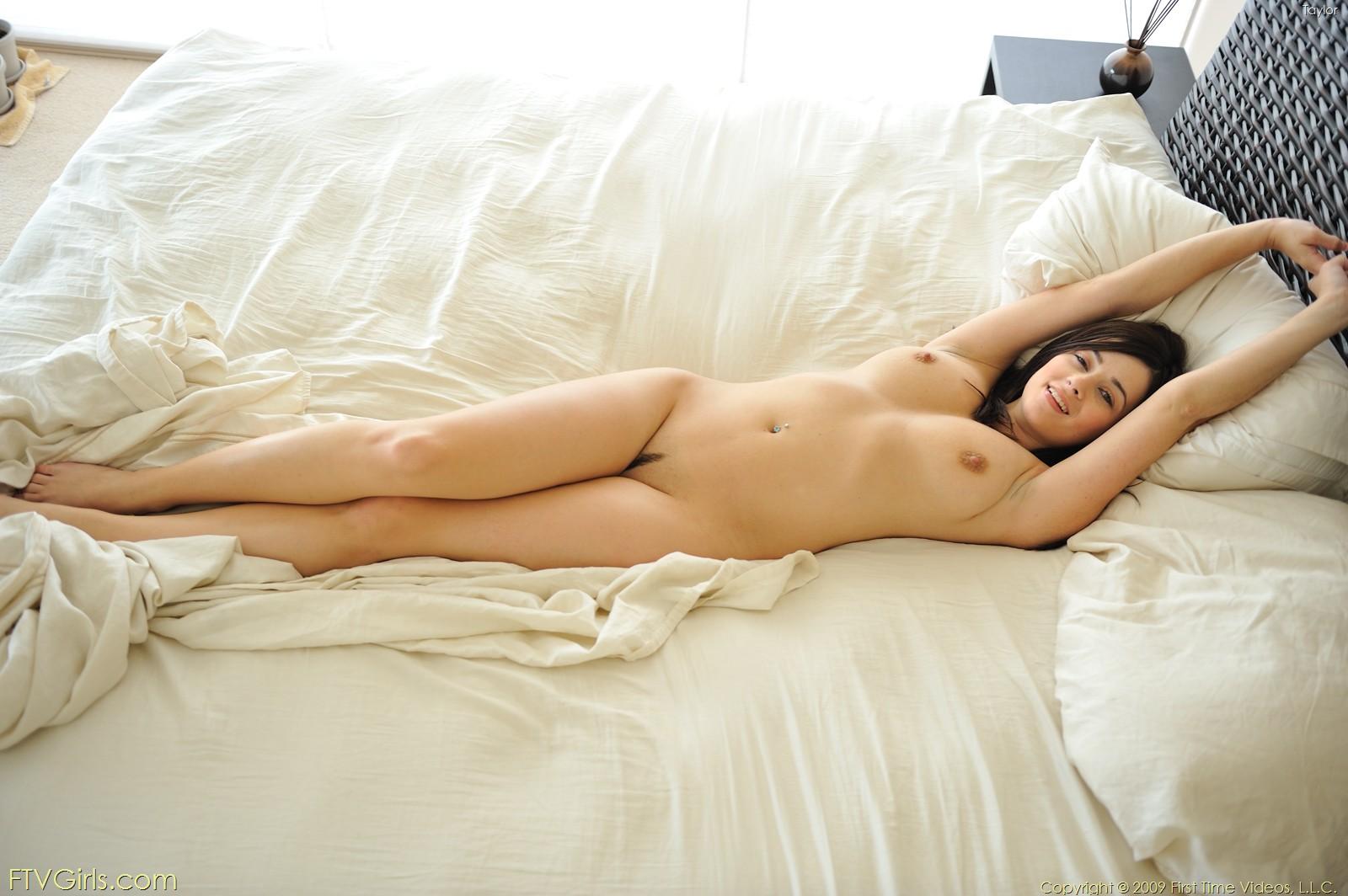 Vixen naked women — photo 11