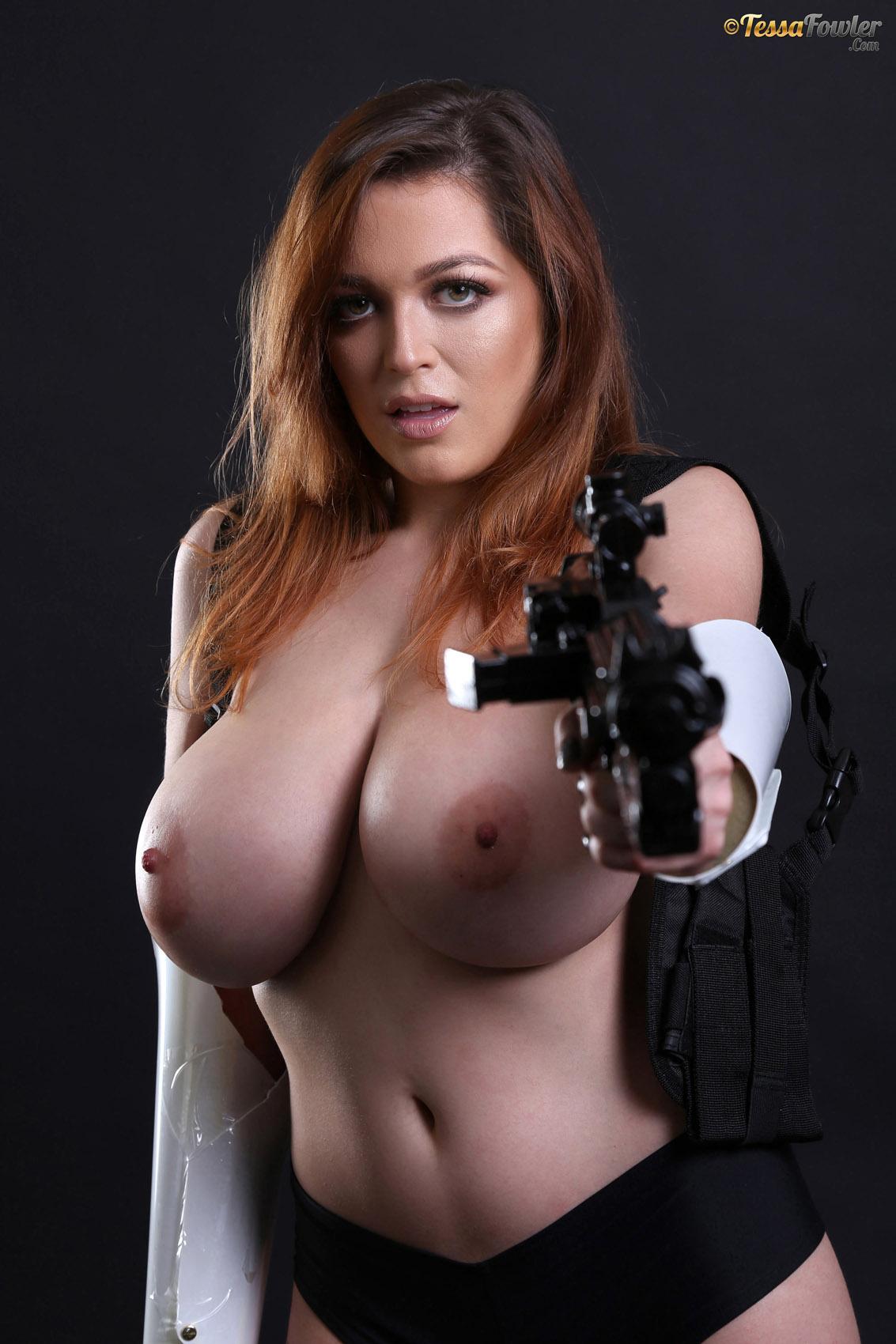 Tessa Fowler Striptease