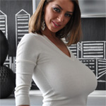 Anya Busty City
