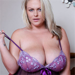Charley Green Purple Lace In Bed