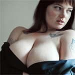 Clio Smooth Curvy Girl