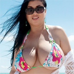 Daylene Rio Goes To Nude Beach