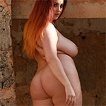 Lucy Vixen Making My Booty Clap Nothing But Curves