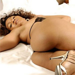 Tiara Curvy In Bed