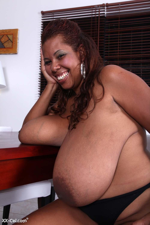 Vanessa del big tits