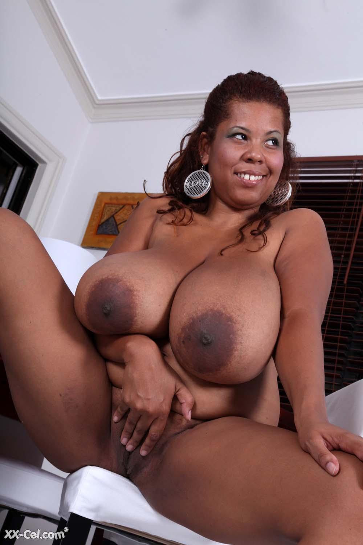 Light ebony with massive tits
