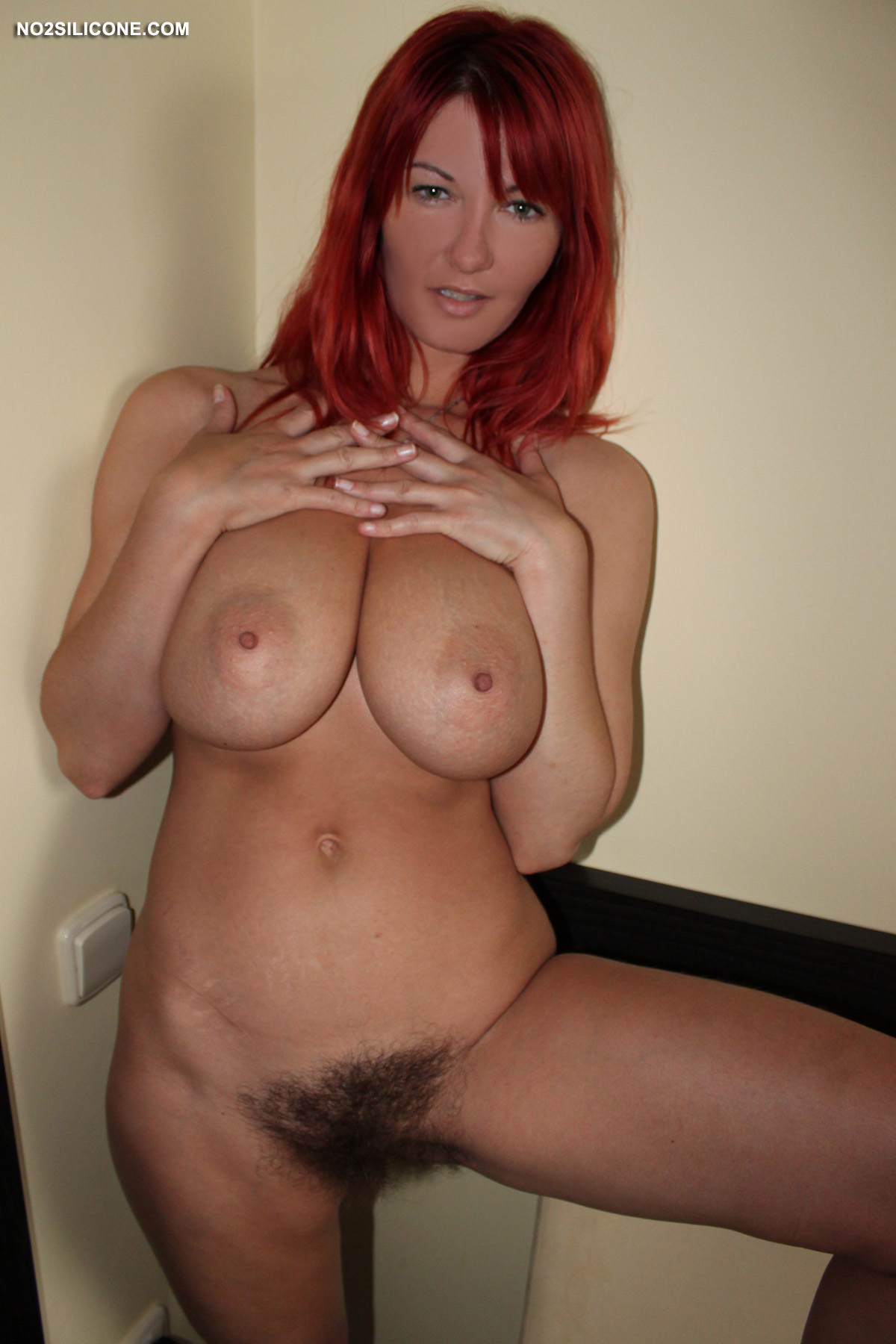 Vanessa Redhead And Hairy-3621